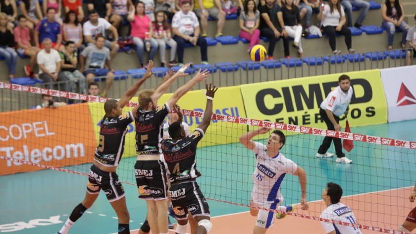 e383c12c3 Faltou pouco para o Ponta Grossa Caramuru Vôlei comemorar a conquista de  pelo menos um set no jogo com o Renata Vôlei no último sábado