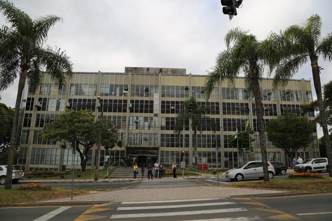 IMPRENSA Ponta Grossa – A Prefeitura Municipal de Ponta Grossa terá  atendimento normal durante o período de final do ano, com exceção das datas  ... 6162bdece8