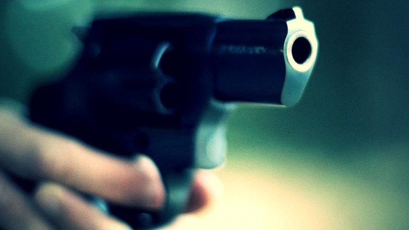 Resultado de imagem para assalto a mão armada